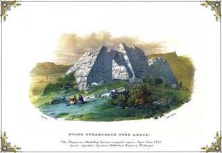 Οι πυραμίδες στην Ελλάδα. Τα εντυπωσιακά μνημεία που θεωρούνται τα αρχαιότερα της Ευρώπης και αναφέρονται στα έργα του Παυσανία