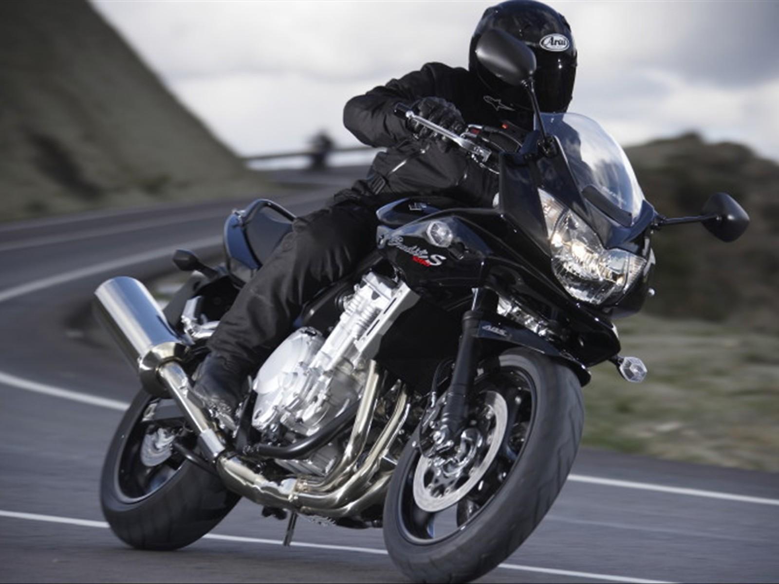 2012 suzuki bandit 1250s monster killer bikes motorboxer. Black Bedroom Furniture Sets. Home Design Ideas