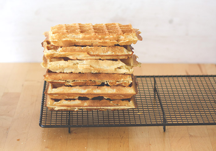 Tipps und Grundrezept für dicke, knusprige Waffeln - frisch gebacken und tiefgefroren aus dem Toaster! Belgische Waffeln und Brüsseler Waffeln
