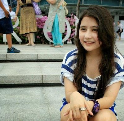 Foto Cantik Prilly Latuconsina Sangat Keren
