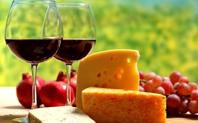 Copas de Vino Quesos y Uvas Imagenes de Alimentos y Frutas