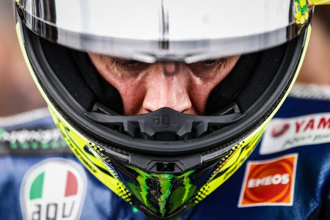 Desain Helm Spesial Valentino Rossi -  The Sharks and The Fish