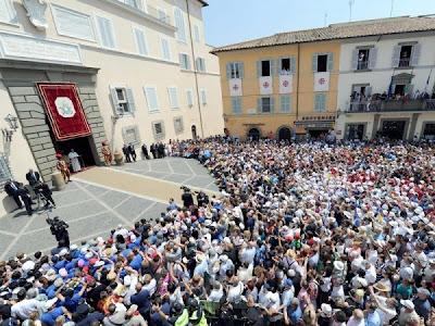 No Angelus, Papa Francisco confia a Jornada Mundial da Juventude a Nossa Senhora Aparecida