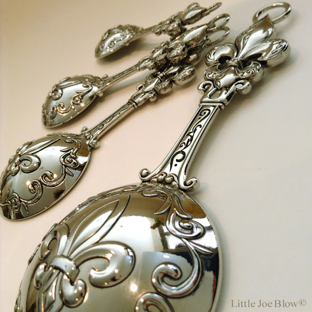 Fleur De Lis Measuring Spoons by Ganz photo 2