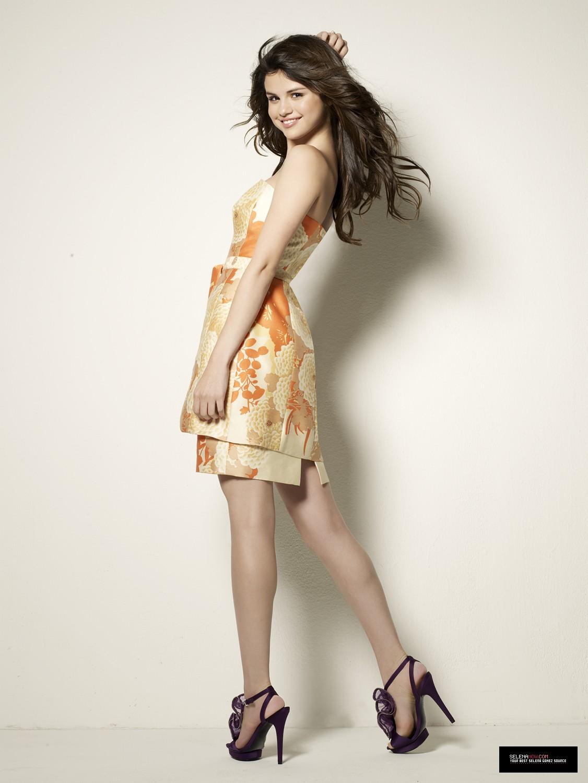 http://4.bp.blogspot.com/-vnp0Km7Sy4k/T_cva7PgPfI/AAAAAAAAa3M/v8-VqOyqO3E/s1600/Selena-Gomez-11.jpg