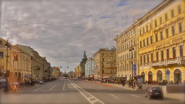Avenida Aleksandr Nevski en San Petersburgo