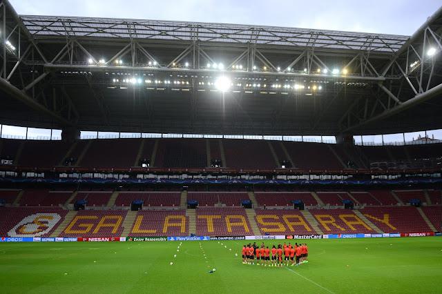 O Atlético de Madrid terá que superar a pressão da torcida na Turk Telekom Arena, casa do Galatasaray (Foto: AFP/Ozan Kose)