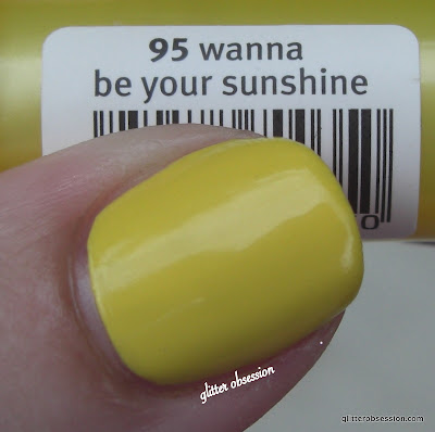 Essence Wanna Be My Sunshine, Essence Wanna Be My Sunshine swatch, Essence Wanna Be My Sunshine nail swatch