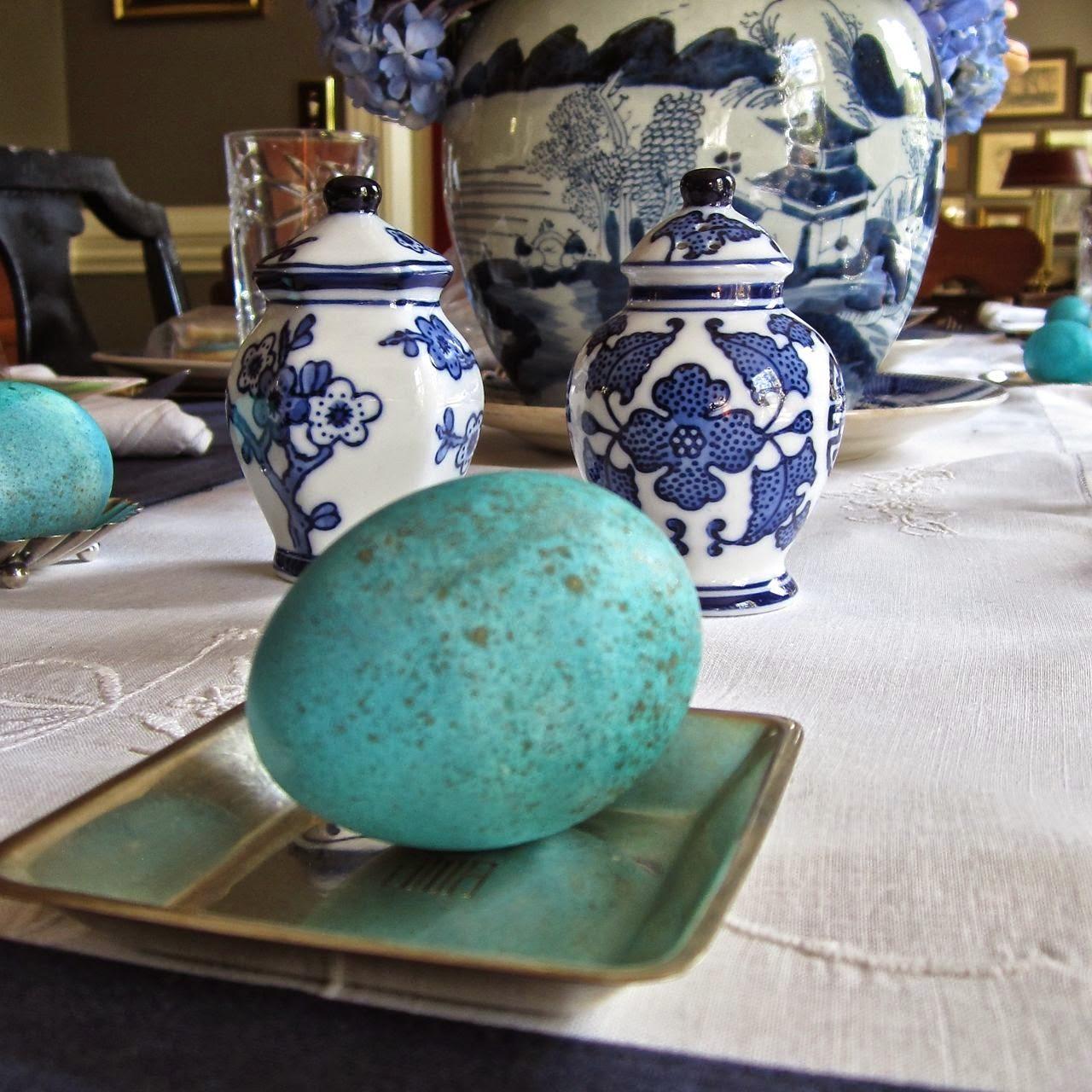 robin's egg blue egg