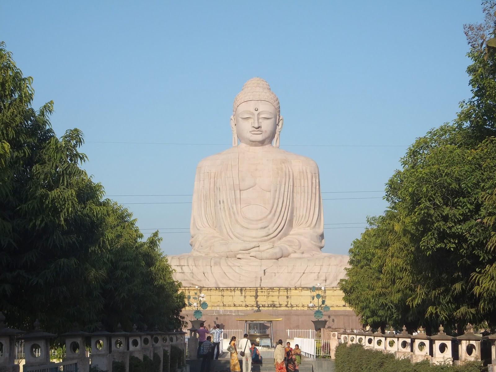 Статуя Будды в Бодхгае