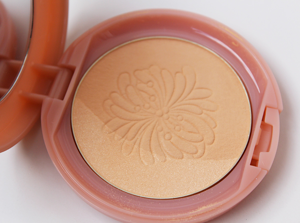 paul and joe pressed powder compact medium 03 swatch review