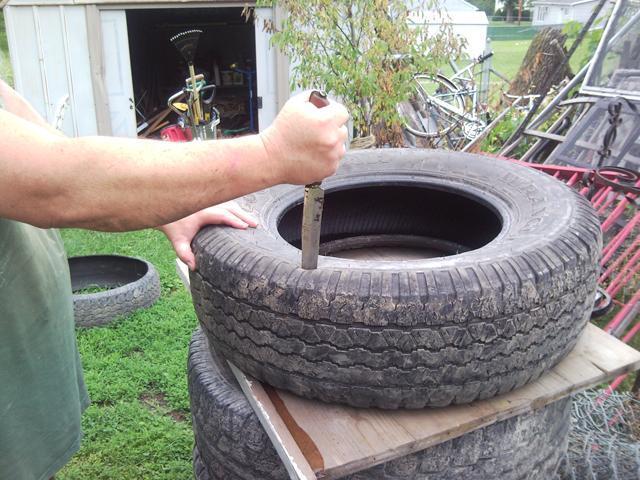 horta e jardim em pneus : horta e jardim em pneus: no Sítio dos Herdeiros: Como um pneu velho pode ajudar na sua horta