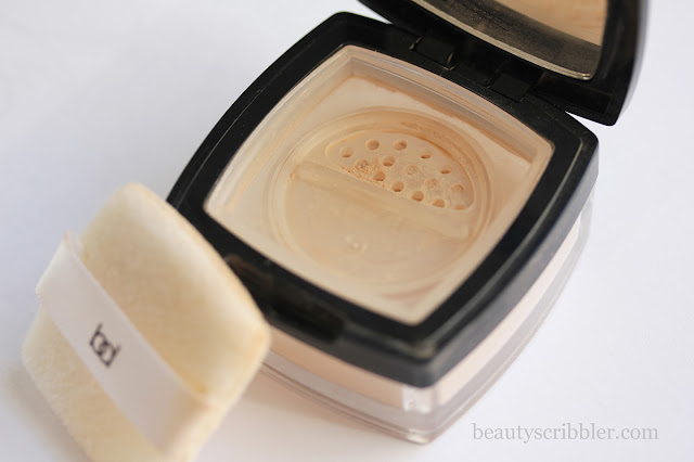 Barbara Daly Super Sheer Loose Powder puff