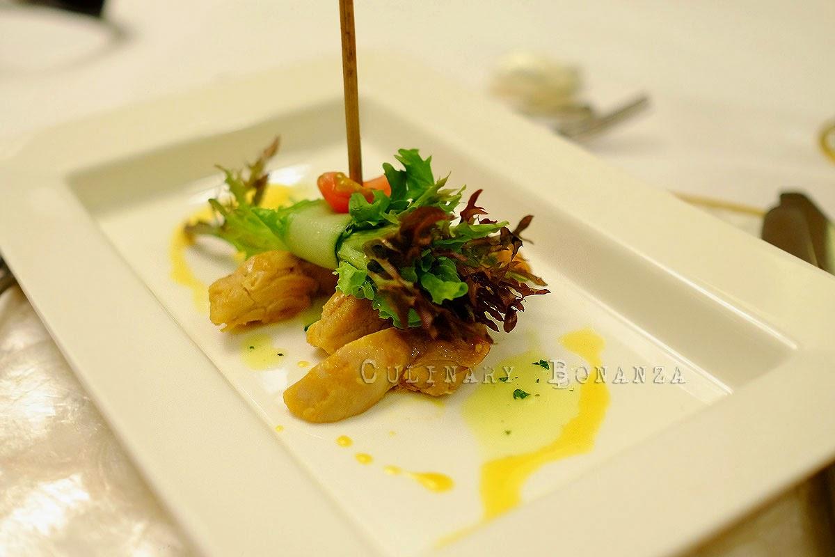 Roasted chicken bacolod style, pomelo davao, mixed greens, sinamak annatto vinaigrette Inasal na manok ng bacolod, suhang davao, litsugas at sarsang sinamak