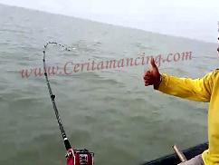 Gila Mancing Ikan Jahan Besar
