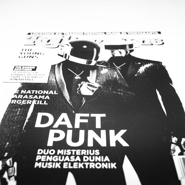 """<img src=""""http://4.bp.blogspot.com/-vq1ZozTr1Og/UetBWZ3C4gI/AAAAAAAACtY/w1Ys_KR3tT4/s320/RollingStoneINA-Daft-Punk-Jururekamphoto-0.jpg"""" title=""""@RollingStoneINA DAFT PUNK Cover Story. Jururekamphoto"""" alt=""""@RollingStoneINA DAFT PUNK Cover Story. Jururekamphoto""""/>"""