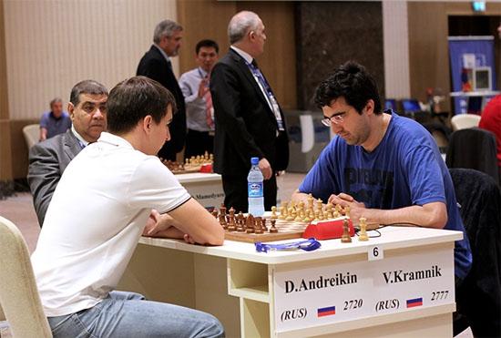 Le joueur d'échecs russe Kramnik éliminé par son compatriote Dmitry Andreikin