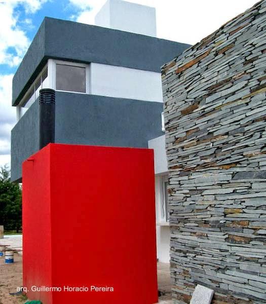Detalle arquitectónico a un lado de la casa
