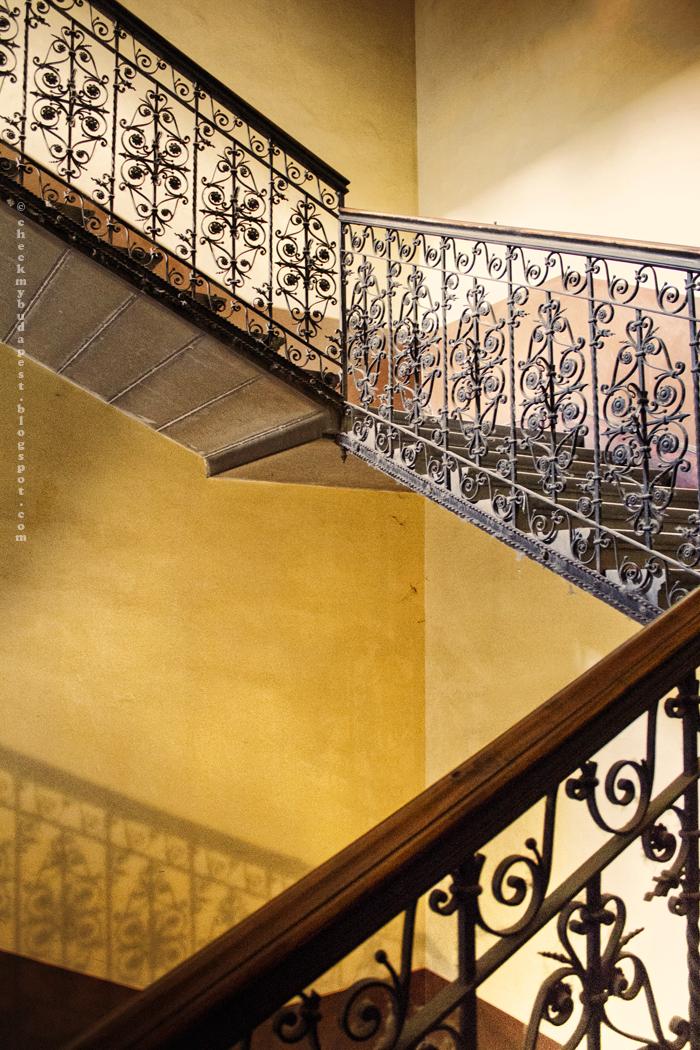 CheckMyBudapest: Gyönyörű lépcsőház a Nagykörúton és Reitter Ferenc álma