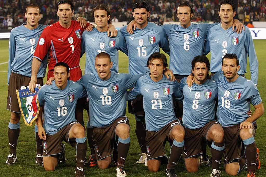 a history of the italian national soccer team Italy soccer jerseys, shirts & apparel the italian national football team, known as the gli azzurri for their traditional national colors on their uniforms, is one of the most successful teams in the history of the world cup, with 4 titles to their name.