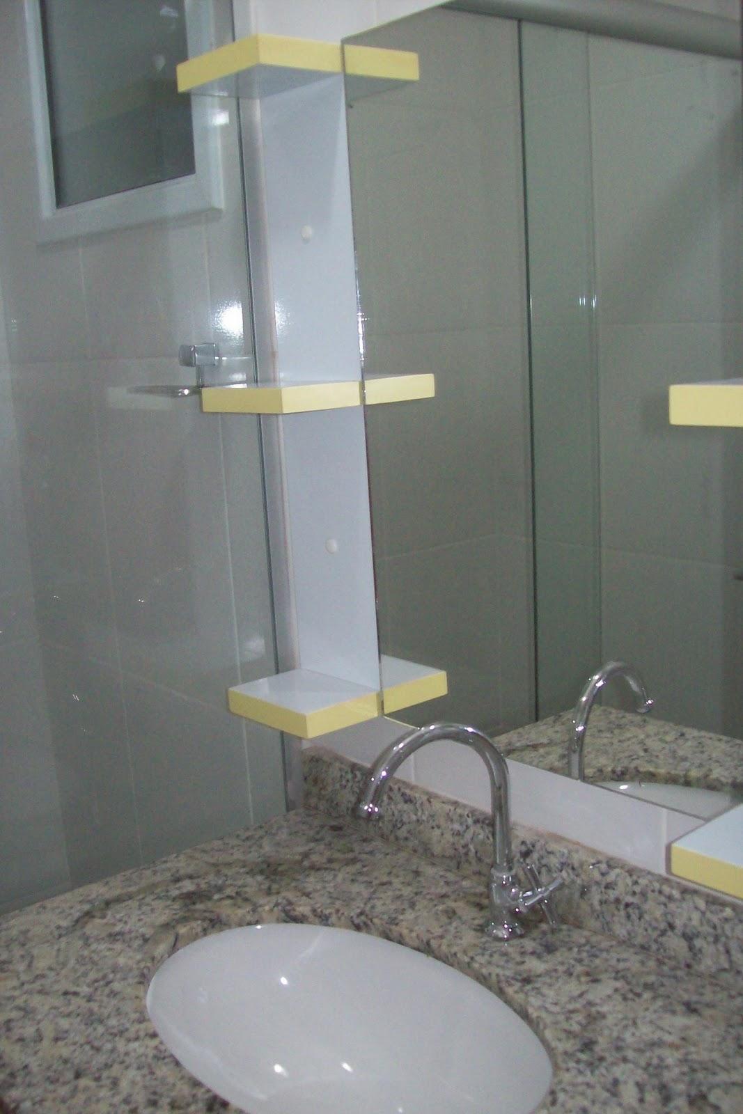 BETESDA MARCENARIA  ARMARIO DE BANHEIRO E ESPELHO COM MINI PRATELEIRAS -> Armario De Banheiro Marcenaria