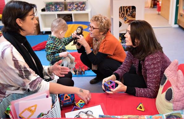 Crown Princess Mary Visits The Kindergarten, SIV