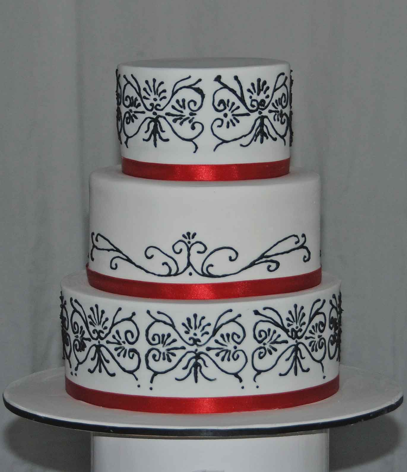 Little Robin Black Red and White Wedding Cake and