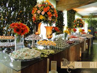 mesa de doces, rustico, Casamento , casa de espanha , verde e laranja , festa de dia