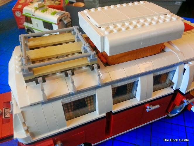 LEGO T1  Volkswagen Split screen Campervan set 10220 review roof rack and pop top