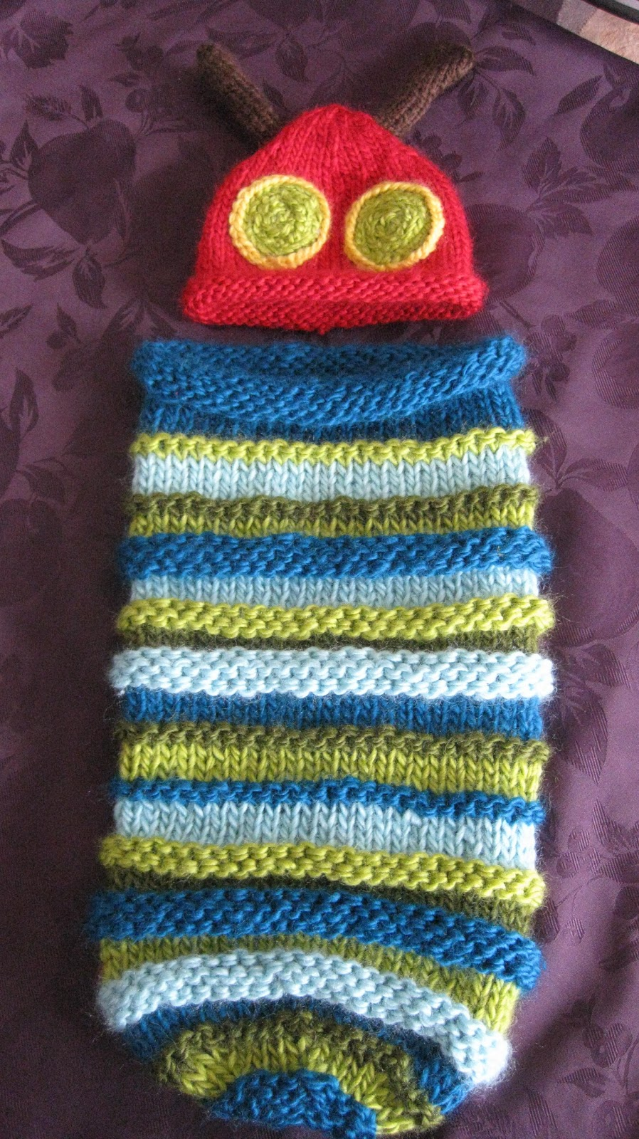 SEWmuchKNITting: Hungry Caterpillar Baby Cocoon and Hat