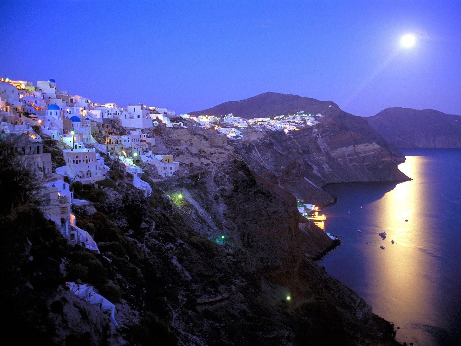 http://4.bp.blogspot.com/-vr9Bx_VHW3U/TiWpch5XvEI/AAAAAAAAB3w/hbhz_SbAuvw/s1600/Moonrise_Over_Santorini_Greece.jpg