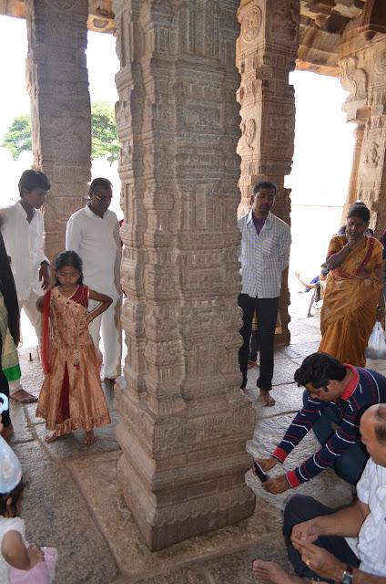 Hanging Pillar of Lepakshi, Andhra Pradesh