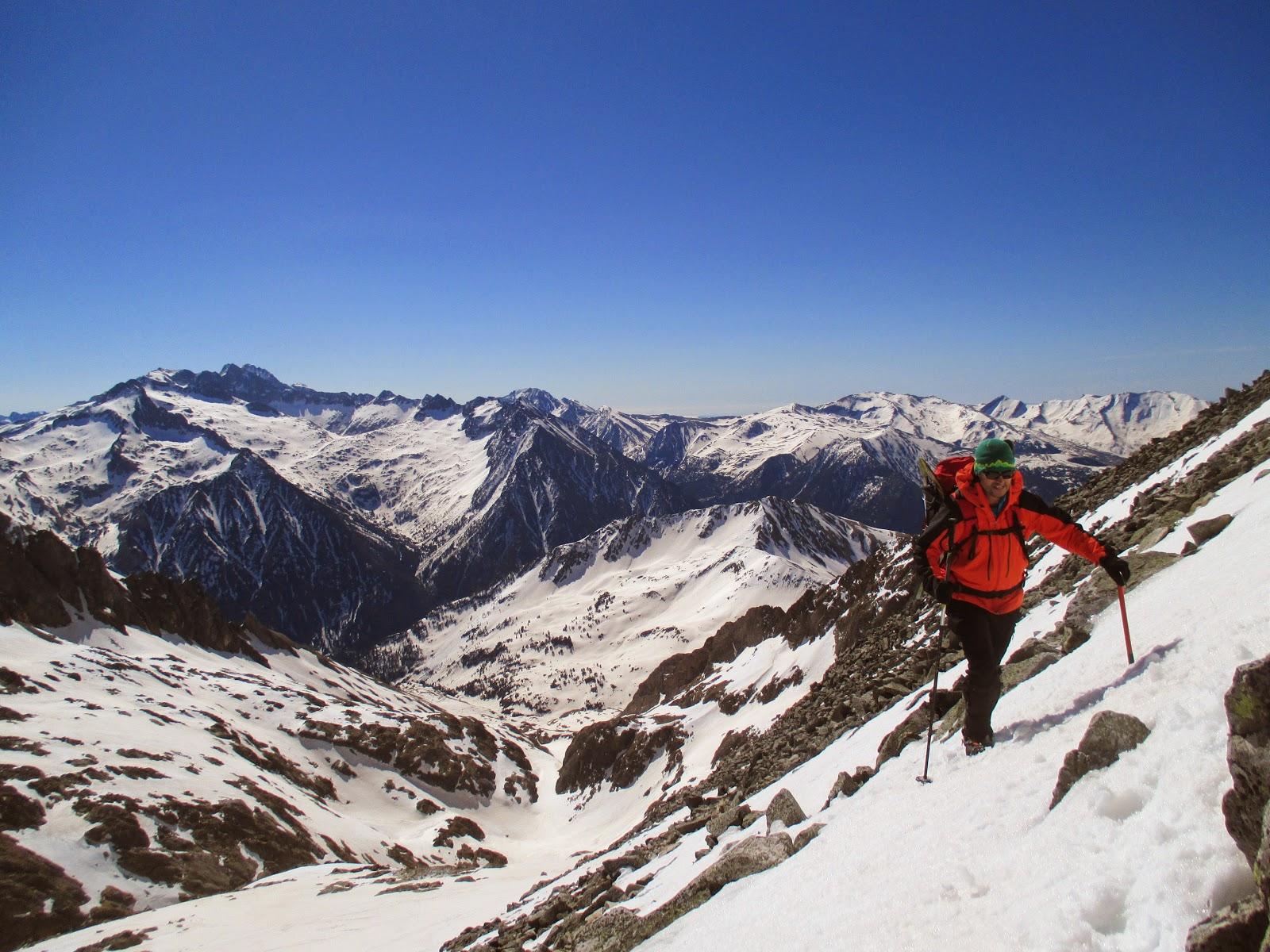 Valle de Literola-Pico Perdiguero-Valle de Remuñe