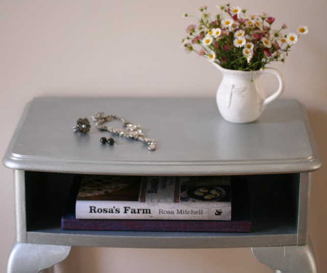 Painting a side table with Porters Duchess Satin French Silver.