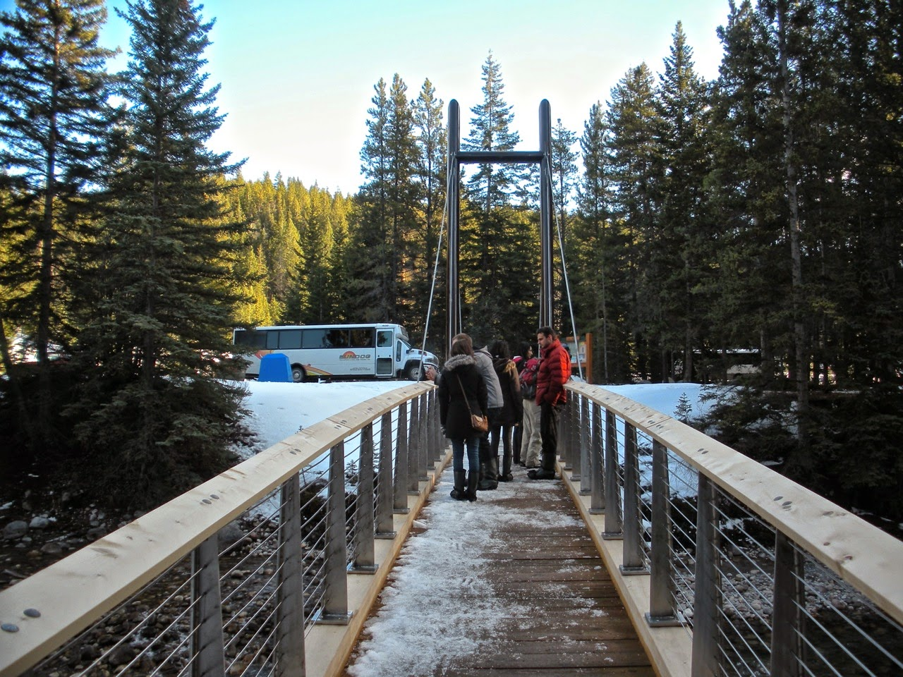 maligne canyon ice walk tour