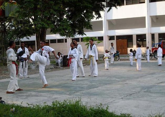 Timor Leste: Primeiro campeonato de grupos de artes marciais pela renúncia à violência