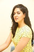 Sakshi chowdary sizzling pics-thumbnail-5