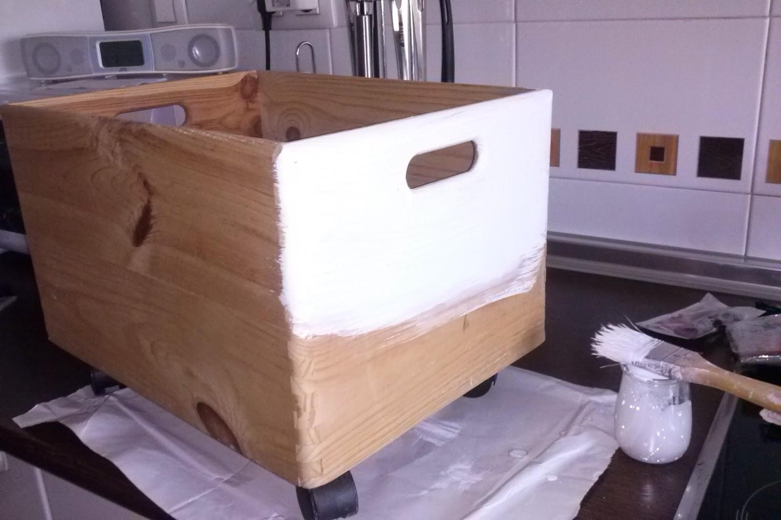 Mueble de madera decorado con decoupagge kosicas de fieltro for Decoupage con servilletas en muebles