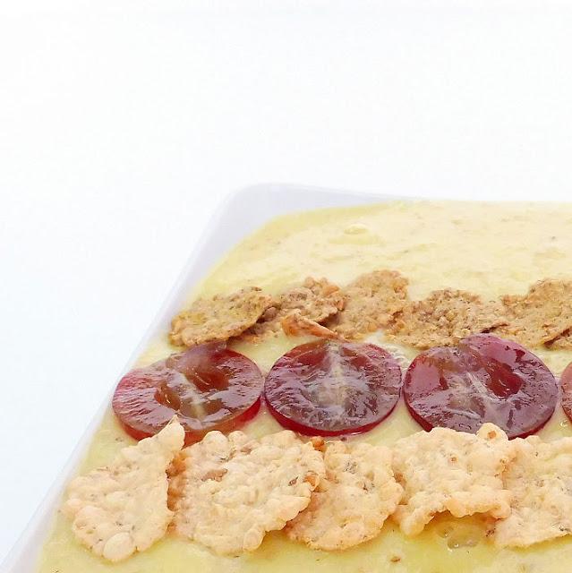 Smothie bowl con uvas y cerelaes