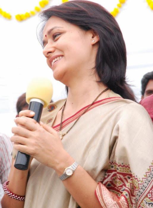 old amala nagarjuna saree glamour  images