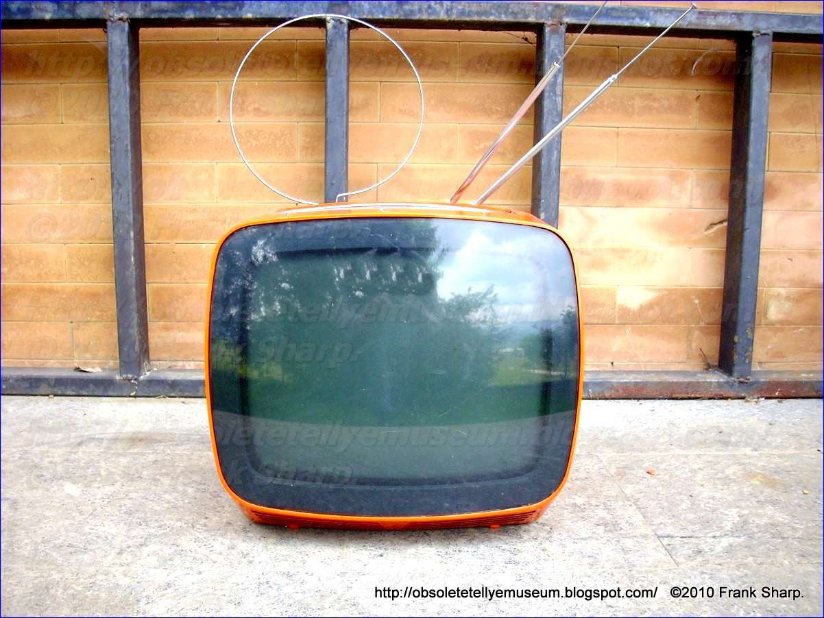 Obsolete Technology Tellye !: INDESIT Mod. 136AOI YEAR 1979.