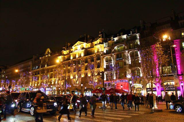 Noite de Natal na Avenida des Champs-Élysée