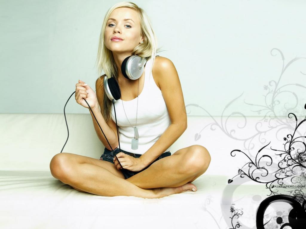 http://4.bp.blogspot.com/-vslTVKgo6NY/UBKzUyO_slI/AAAAAAAAAZk/kpuo8yGYNlM/s1600/soundshine-1024x768.jpg