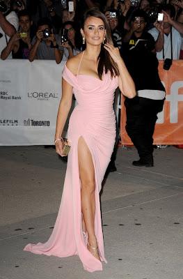 "Penelope Cruz Hot Pink Dress ""Twice Born"" Premiere in Toronto | Beauty Female Photos"