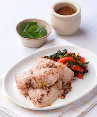 Five-spice fish with tomato-basil sauce