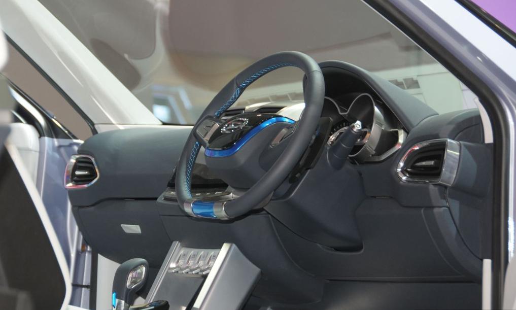 Daihatsu CUV-2 interior