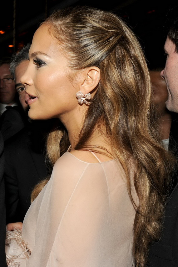 Celebrity hair extensions 2013 best haircuts and hairstyles pictures jennifer lopez hairstyles15 whoever styles her hair regularly does pmusecretfo Choice Image