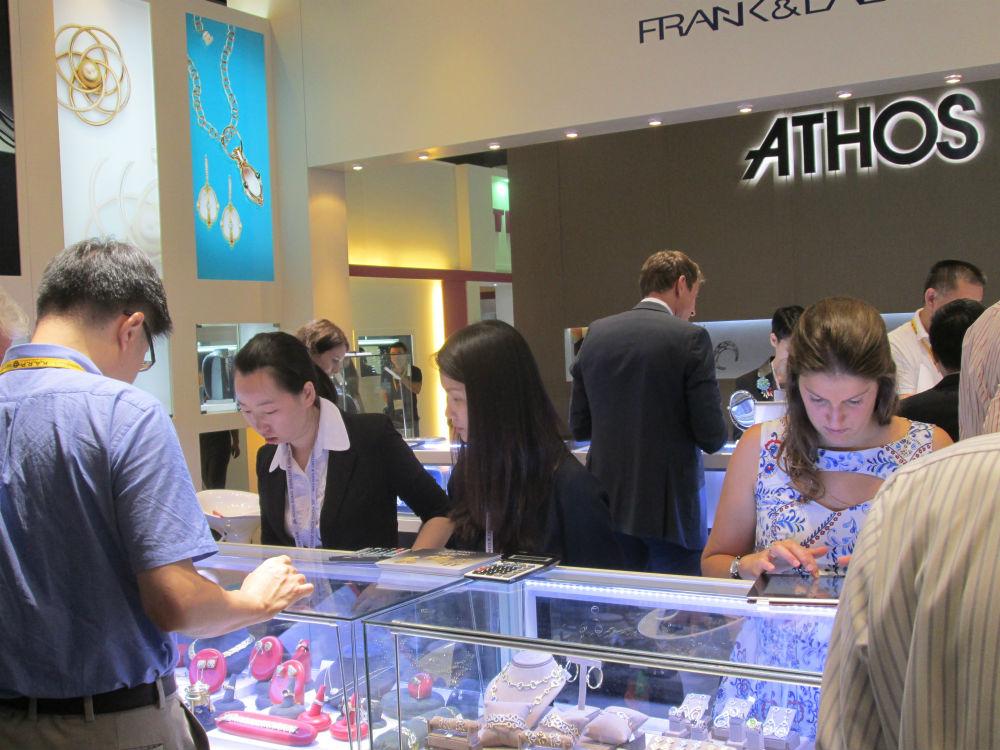 Jewelry News Network: Exhibitors Release Pent-Up Optimism ...