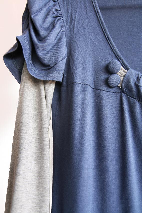 bluza masura M-L potrivita pentru o tinuta lejera, alaturi de o pereche de blugi