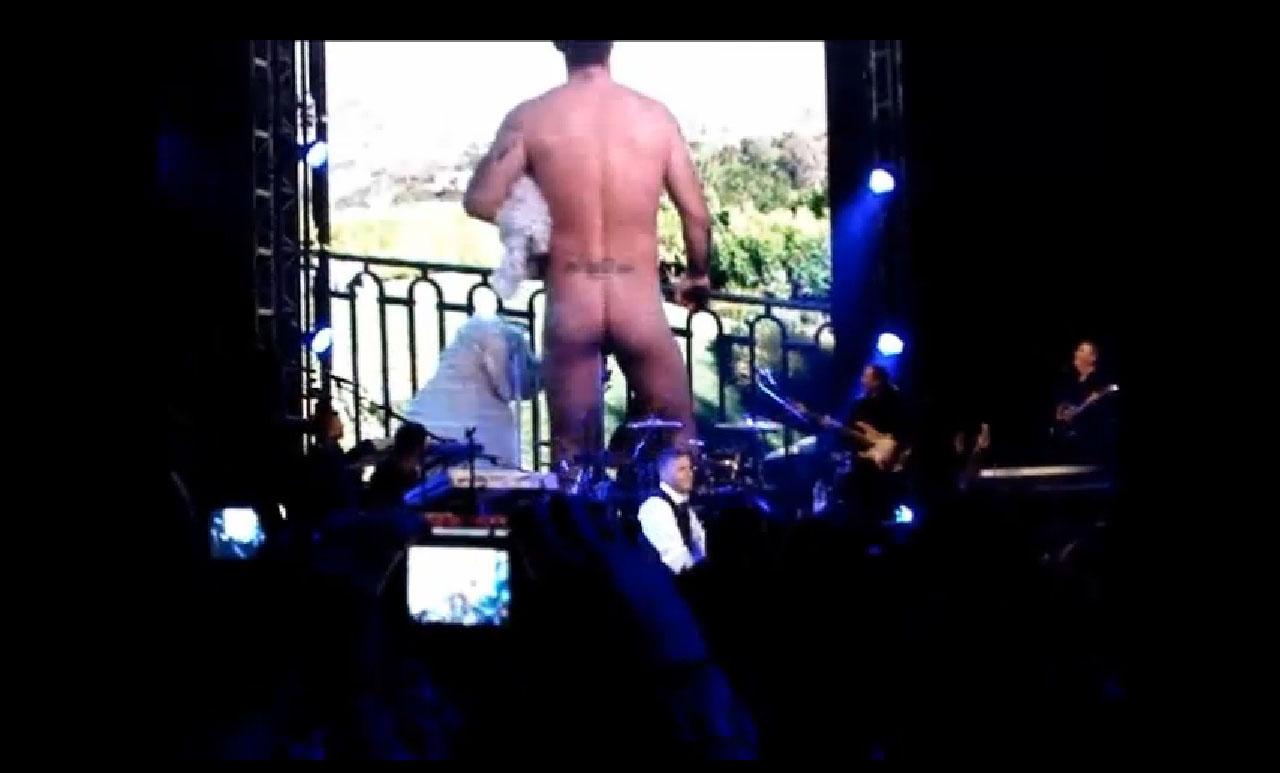 http://4.bp.blogspot.com/-vtZc_ajNIG0/To-R5f4bFGI/AAAAAAAABUM/b3OhA1gGPo8/s1600/Robbie+Williams+nudo+nudes+mutande+hot+sexy1.jpg